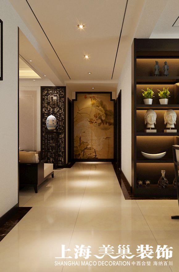 5平四室两厅客厅装修效果图---客厅电视墙面采用黑色的木雕和软包结合