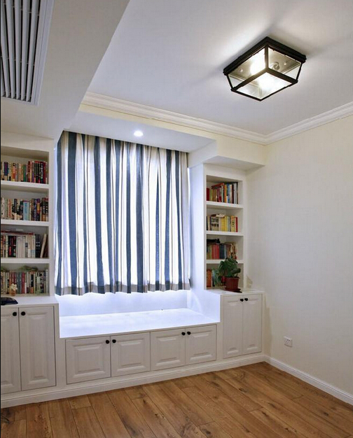 客厅飘窗柜设计效果图