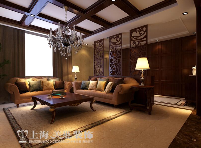 马渡别墅220平4室2厅美式乡村装修案例——客厅沙发及顶部