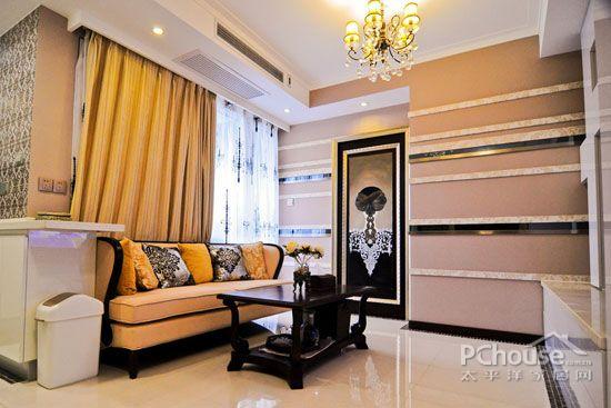 挑高客厅窗帘效果图大全     三大客厅飘窗搭配深色窗帘,为