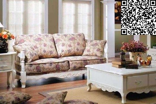 美式风格沙发图片欣赏   这款欧式田园风格沙发与棕色系的长方形木