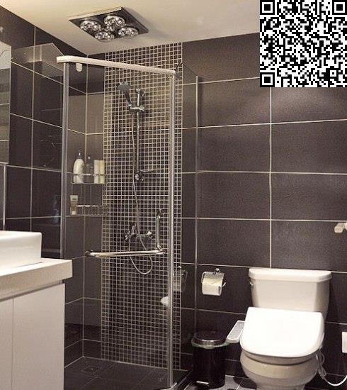 墙角的空间设计成淋浴房,五边形的设计巧妙的将空间利用.