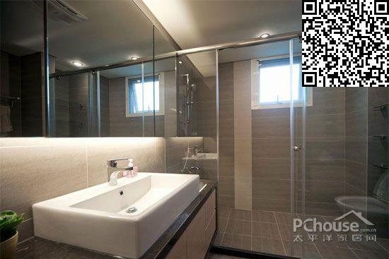 卫生间设计效果图大全     利用大面积强化玻璃区隔出的干湿