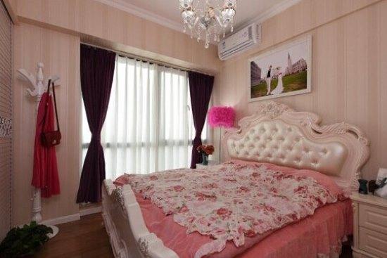 55平简约欧式风格 条纹壁纸营造公主卧室