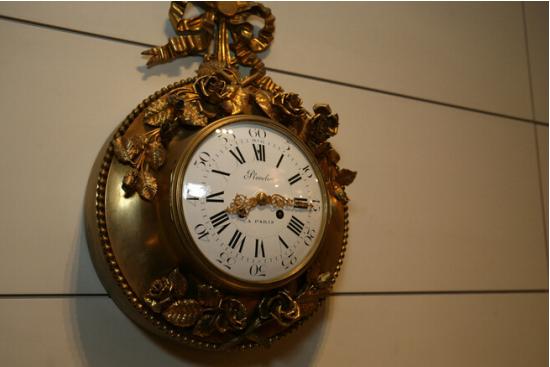 欧式客厅挂钟搭配方法 挂钟选购价格