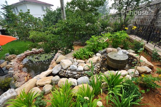 专家支招 四样硬质景观巧建花园小品