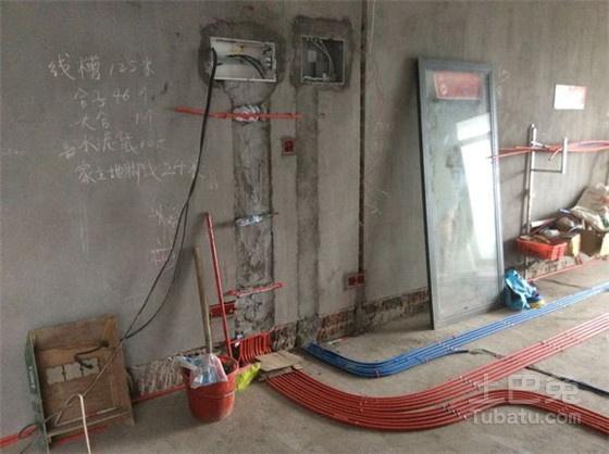 有了接地保护,当漏电开关出现故障时,接地保护仍能起到保护作用.
