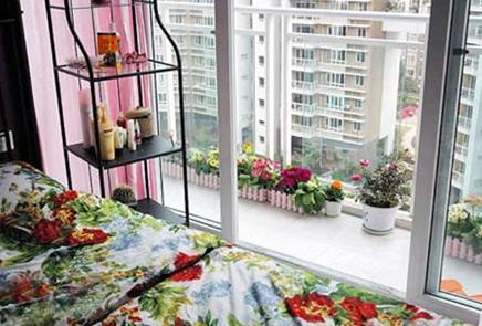 看看高层阳台装修效果图和顶楼阳台装修效果图的装修方式.