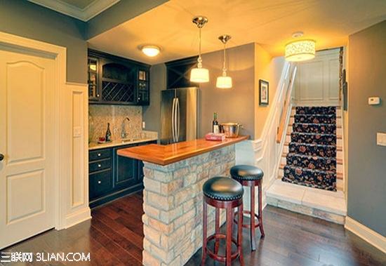 增加卫生间,入户门对厨房门改动,走廊利用.恳求指点