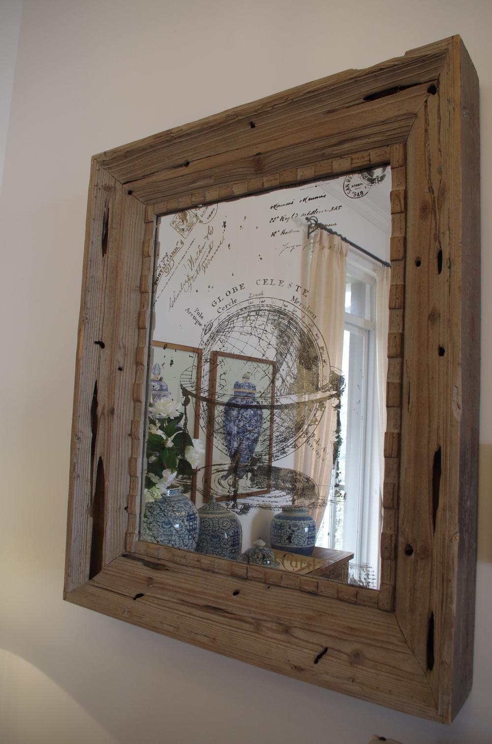 所以世界上没有第二个相同的了, 那种做旧的木头质感还有带花纹的玻璃
