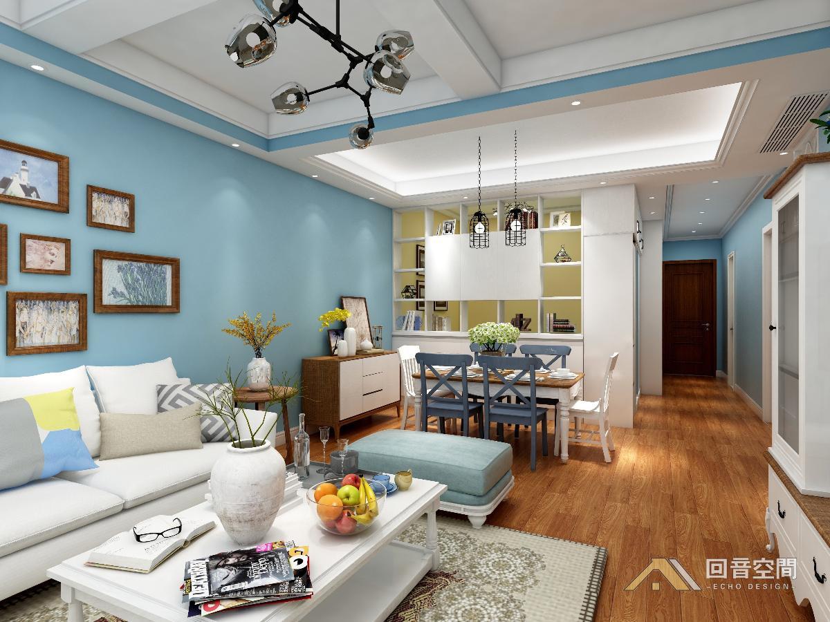 主卧采用梳妆台或电脑桌与电视柜一体造型,整个空间整洁大方.