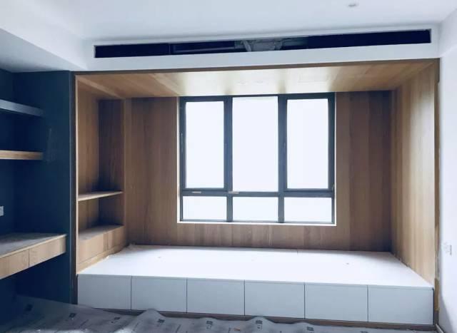 这种飘窗高度在35-45公分,可以延伸飘窗结构做成榻榻米.