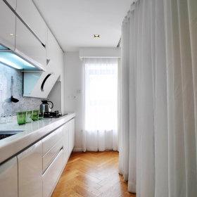 现代简约厨房隔断装修效果展示