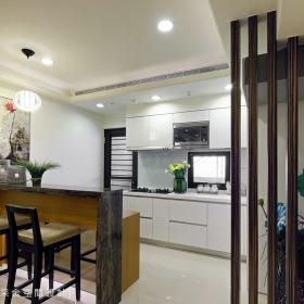 现代简约厨房背景墙装修案例