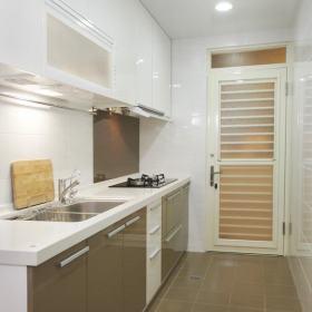 现代简约厨房设计方案