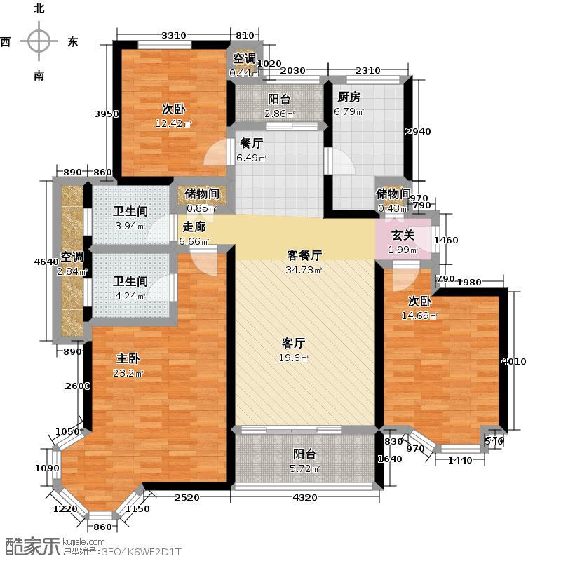 绿地崴廉宫爵三房二厅二卫,面积约127平方米户型