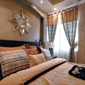 美式卧室窗帘装修图