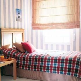 自然温馨卧室实木家具装修案例