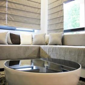 自然现代现代风格窗帘茶几玻璃茶几装修效果展示