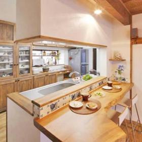 自然餐厅厨房桌子设计案例