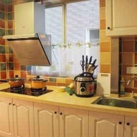 厨房储物柜马赛克装修案例