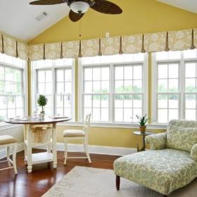 阳台休闲区窗帘装修图