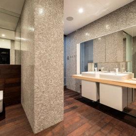 清新背景墙卫浴设计案例
