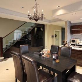精致奢华楼梯餐桌设计方案