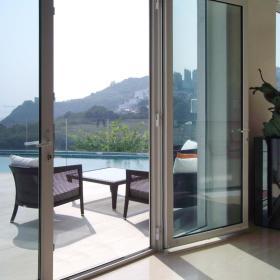 现代简约阳台花园装修案例