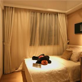 现代简约卧室装修案例