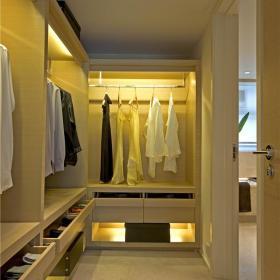 现代简约衣帽间衣柜图片