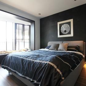 现代简约卧室飘窗装修案例